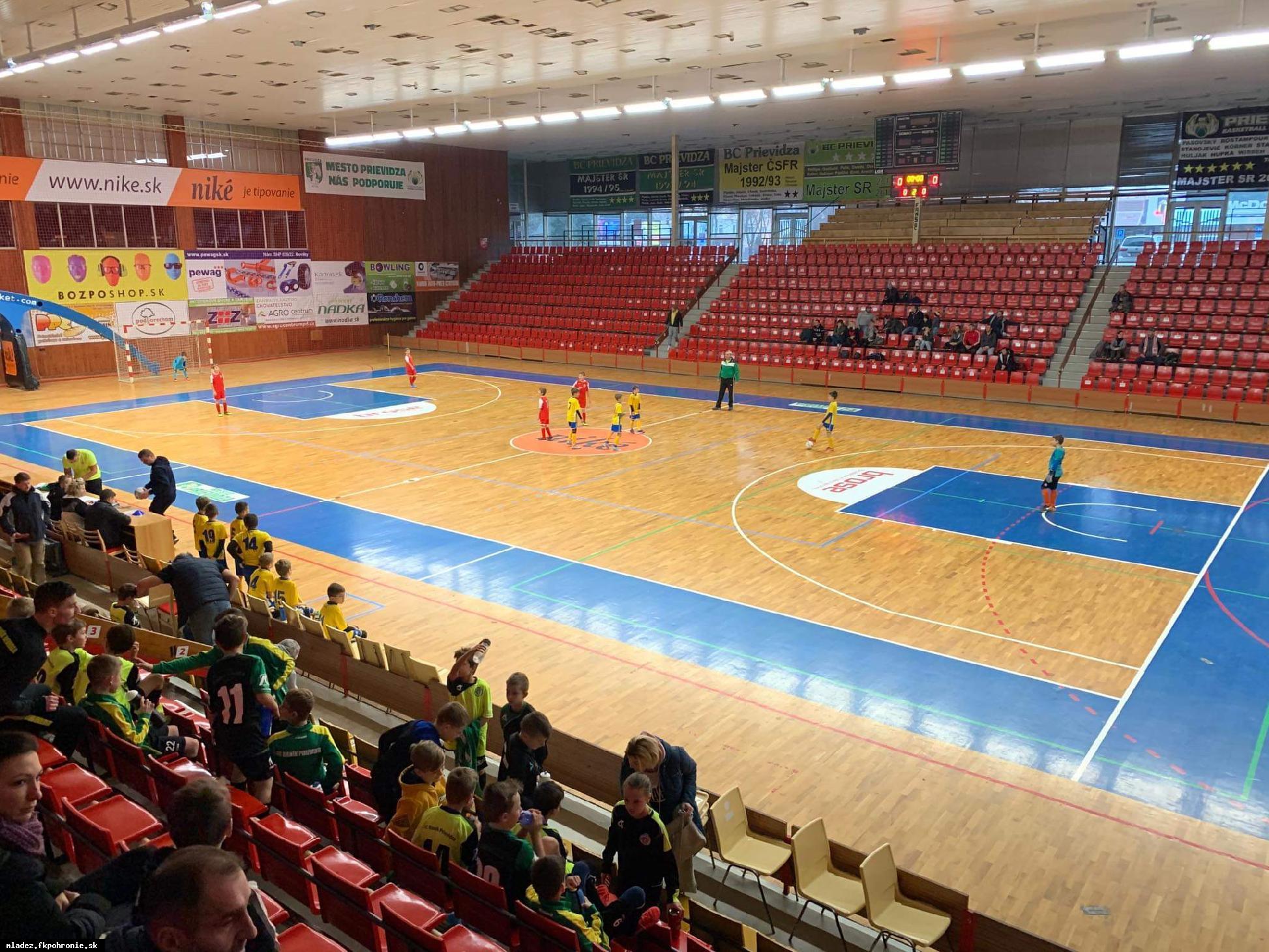 obr: U10: Na halovom turnaji v Prievidzi