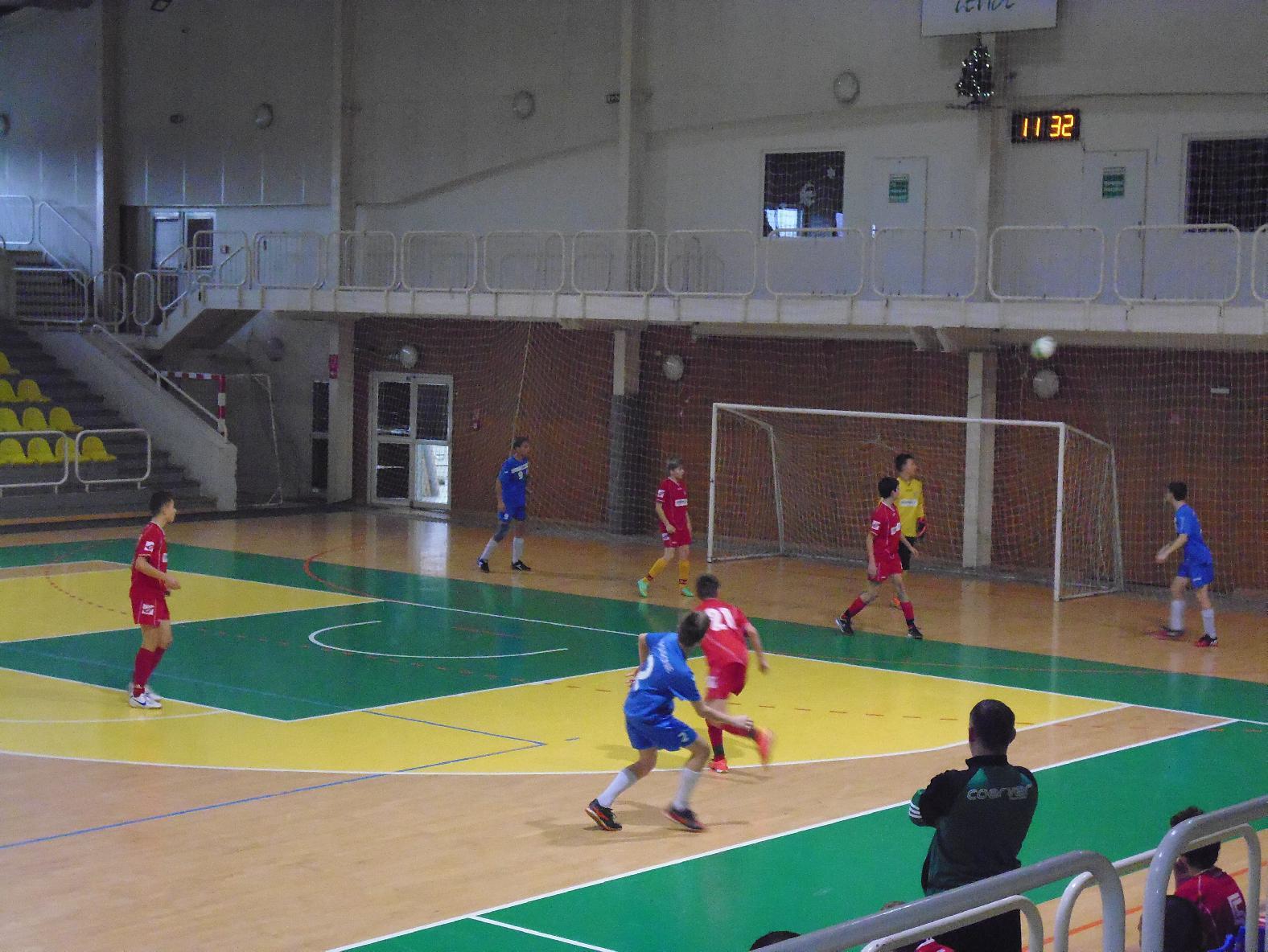 obr: U13 na halovom turnaji v Leviciach.